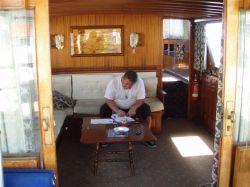 091.captain-schreibt-das-logbuch